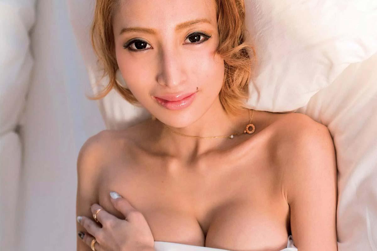 加藤紗里のセクシーエロ画像