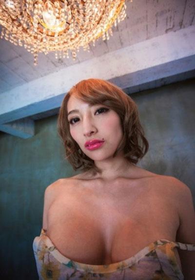 加藤紗里の全裸中出しエロ画像