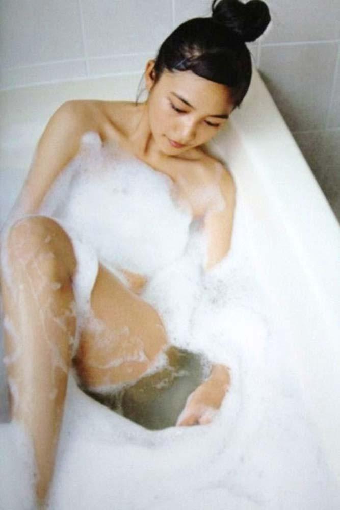 川口春奈のおっぱいエロ画像