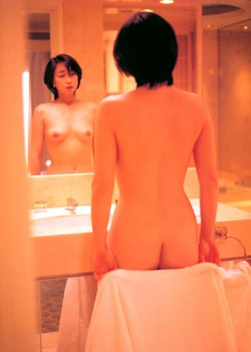 川上麻衣子のおっぱい乳揉みエロ画像
