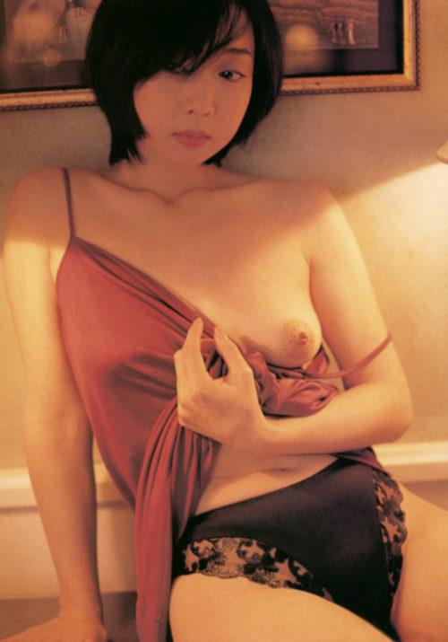 川上麻衣子のエロ画像