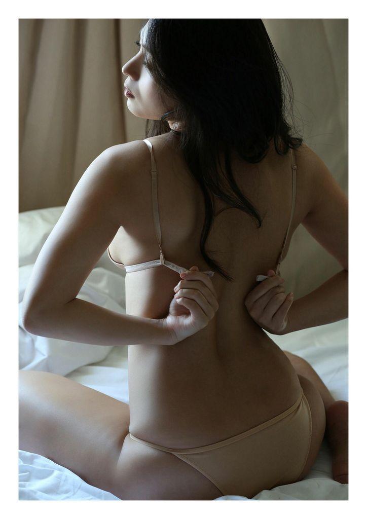 川村ゆきえのセックスの濡れ場画像