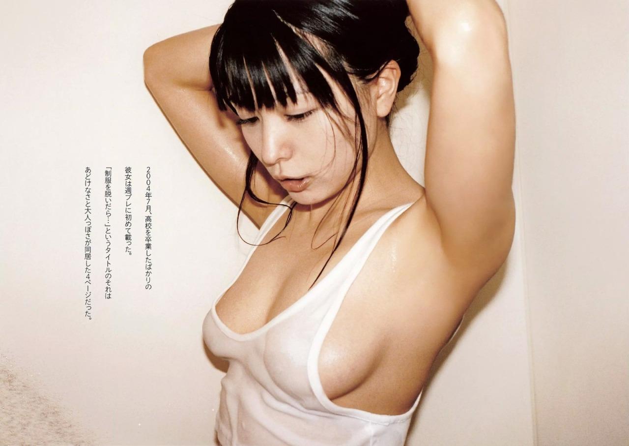 川村ゆきえの乳首
