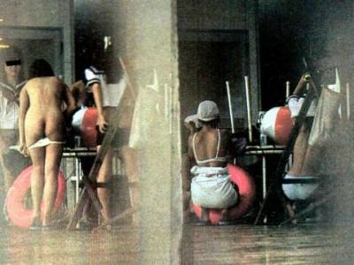 生着替え(野外・屋外・試着室)のパンモロエロ画像