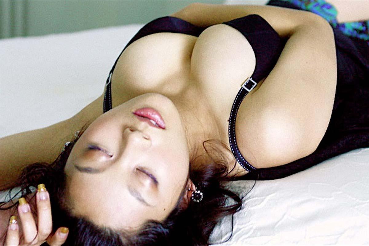 小池栄子の巨乳爆乳なおっぱいエロ画像がセクシーすぎる