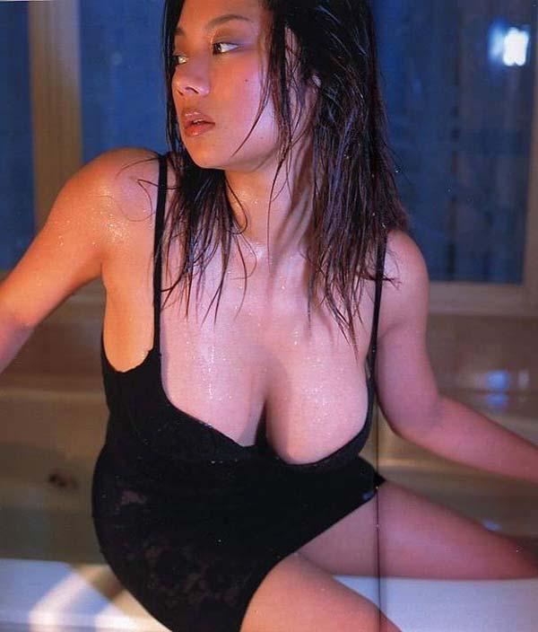 小池栄子のセックスしてるエロ動画やエロ画像や無修正アダルト動画が抜ける