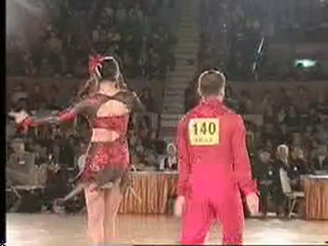 小池栄子のセクシー水着エロ画像が放送事故