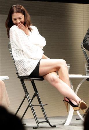 小泉今日子のセクシー水着エロ画像が放送事故