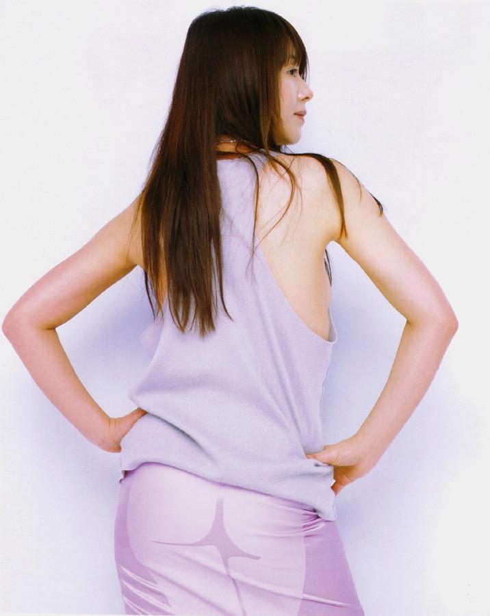 小泉今日子の乳首ポロリしたヌードエロ画像や胸チラ