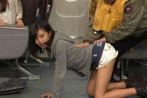 小島瑠璃子の巨乳爆乳なおっぱいエロ画像がセクシーすぎる