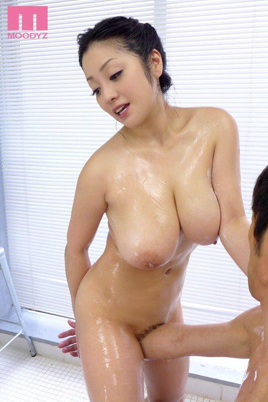 小向美奈子の無修正ヌード乳首エロ画像