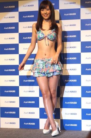 久慈暁子のおっぱい乳揉みエロ画像