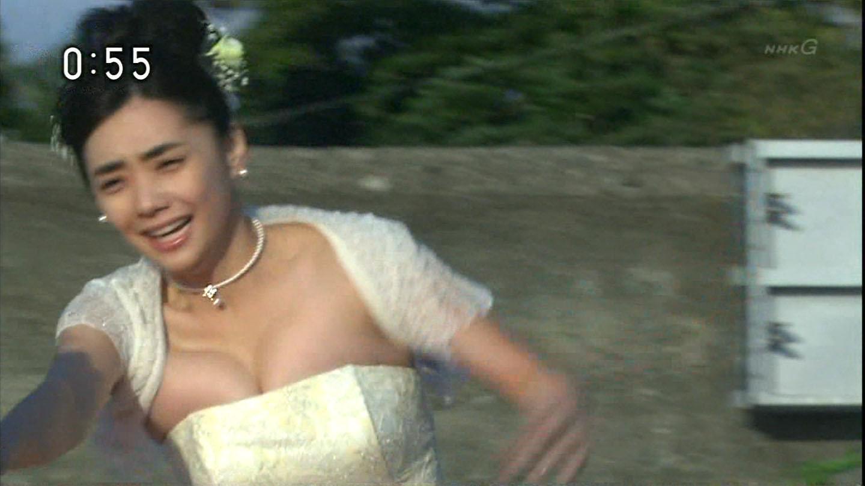 倉科カナのおっぱいエロ画像
