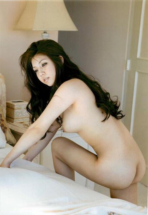 巨乳の女子アスリートのおっぱいエロ画像今井メロ