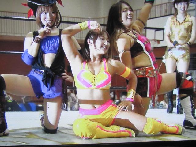 巨乳の女子アスリートプロレスは愛川ゆず季のおっぱいエロ画像
