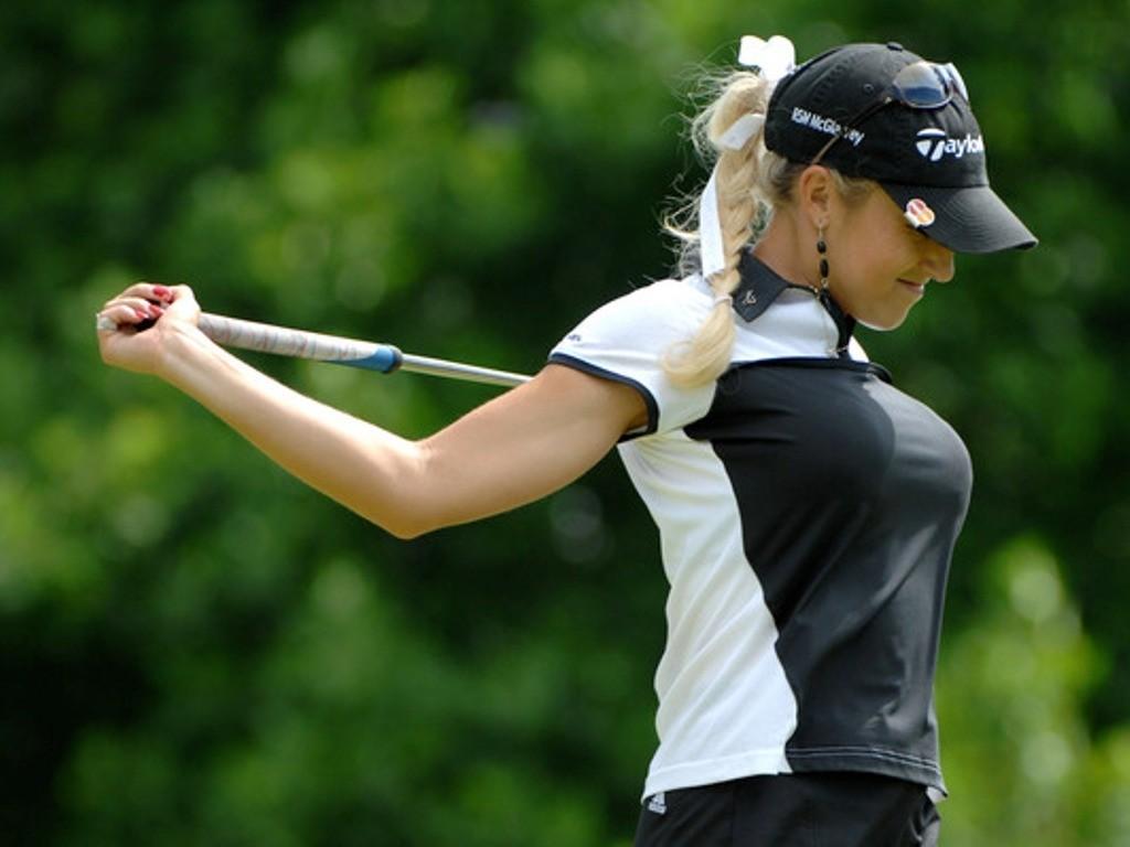 女子ゴルフの巨乳アスリート画像パンモロまとめ