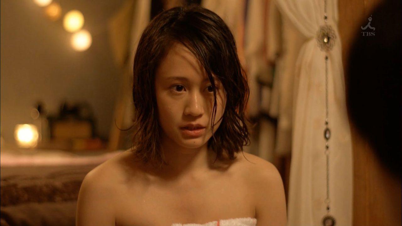 前田敦子の下着丸見えパンチラエロ画像が抜ける