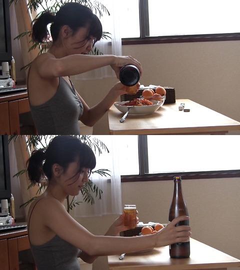 真野恵里菜のパンチラエロ画像