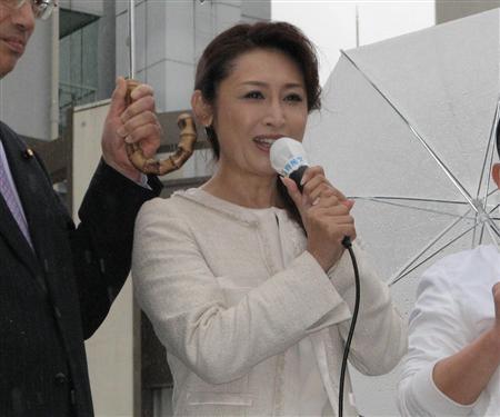 三原じゅん子のおっぱいエロ画像