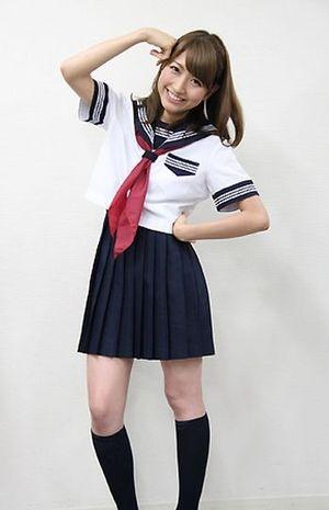 三田友梨佳の乳首ポロリ画像