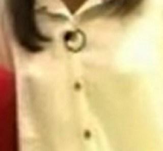 三田友梨佳の乳首丸見えエロ画像