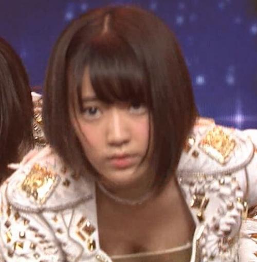 宮脇咲良のIZ*ONE乳首ポロリ画像