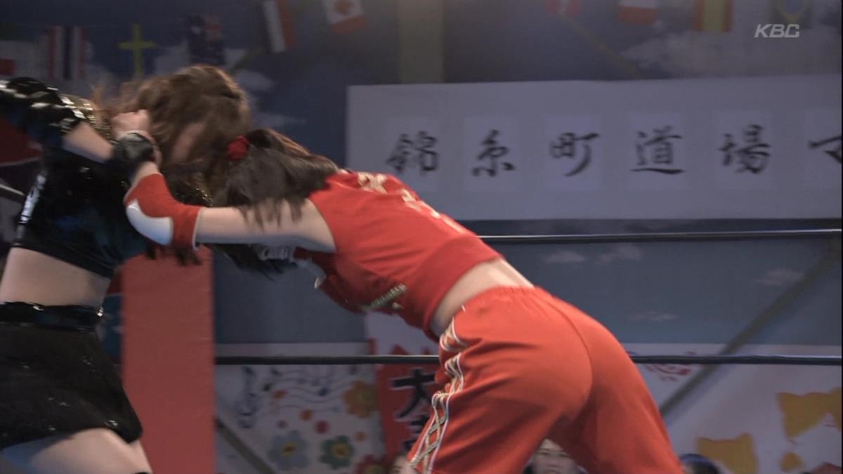 宮脇咲良のお宝ヌードエロ画像