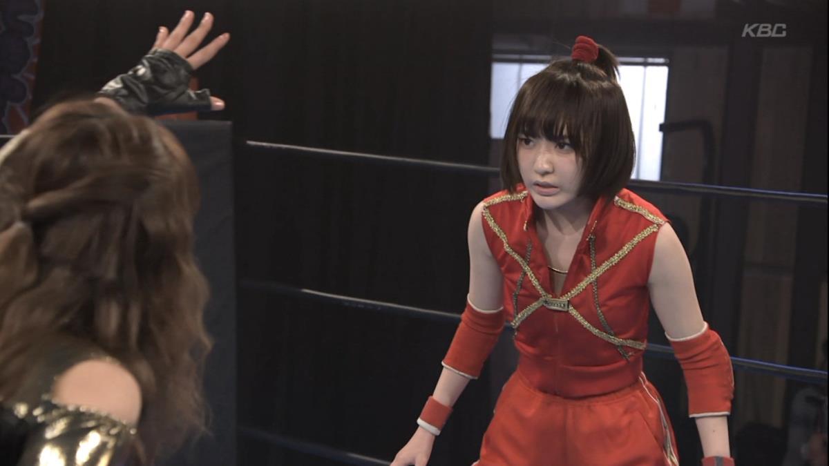 宮脇咲良のお宝エロ画像