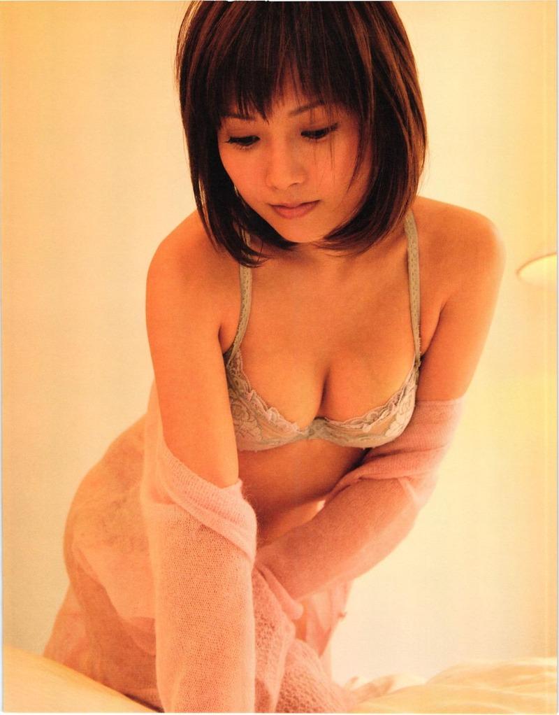 モーニング娘の乳首ポロリ画像