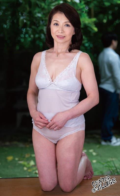 60代(六十路)熟女の全裸ヌード