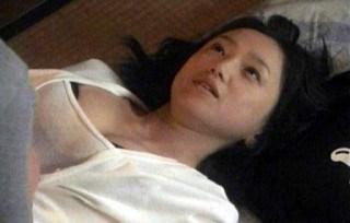 永作博美の巨乳で胸チラエロ画像