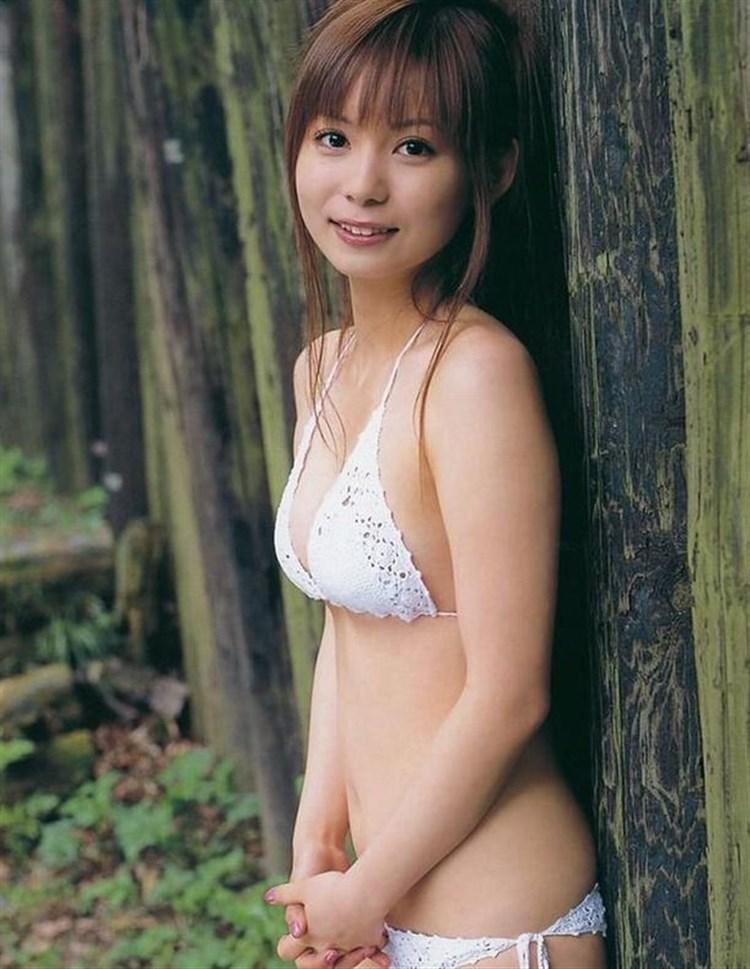 中川翔子の下着丸見えパンチラエロ画像が抜ける