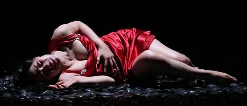 中谷美紀の胸チラエロ画像