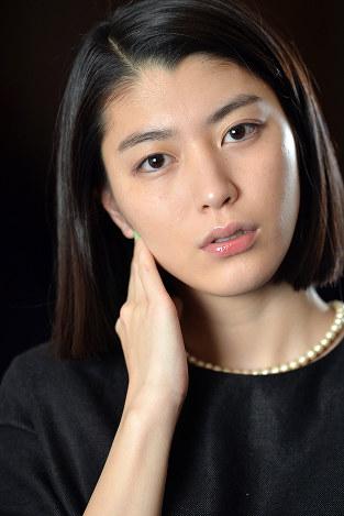 成海璃子のエロ画像