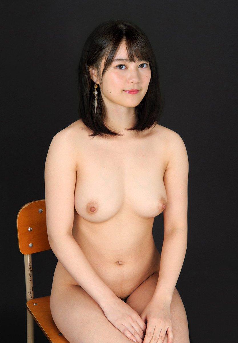 乃木坂(生田絵梨花)のアイコラ乳首エロ画像