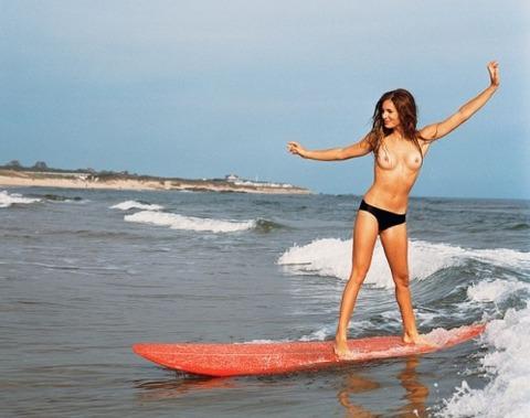 サーフィン全裸の放送事故お宝エロ画像