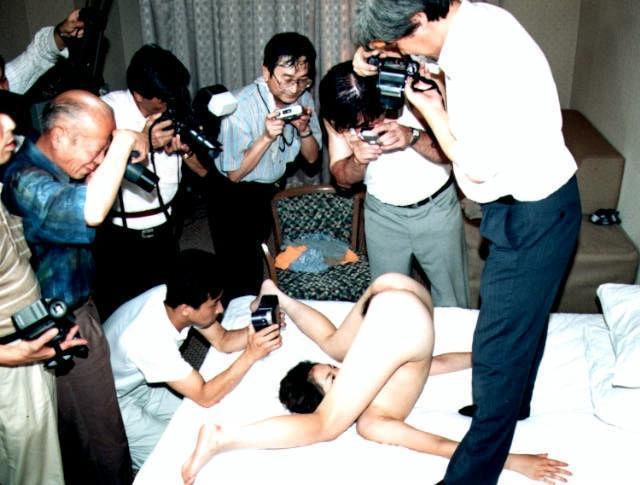 ヌード撮影会のパンチラエロ画像