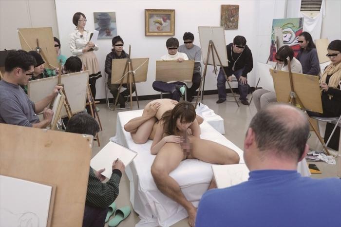ヌード撮影会モロにマンスジやハミマンエロGIF画像