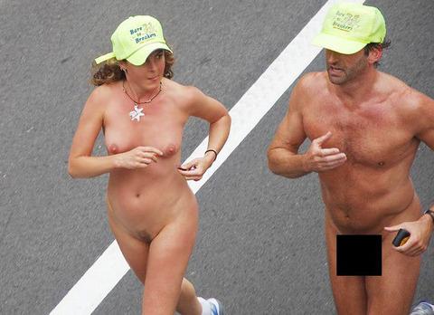 全裸陸上スポーツのパンチラエロ画像