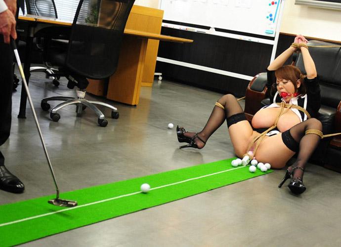 スポーツの全裸ヌードで露出画像