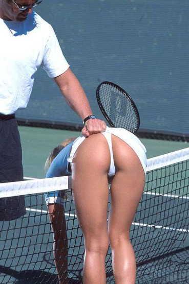 全裸スポーツのAVアダルト画像
