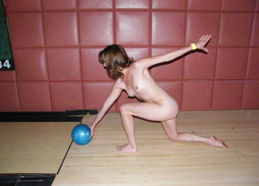 全裸ボウリングのお宝な放送事故