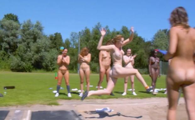 全裸スポーツモロにマンスジやハミマンエロGIF画像