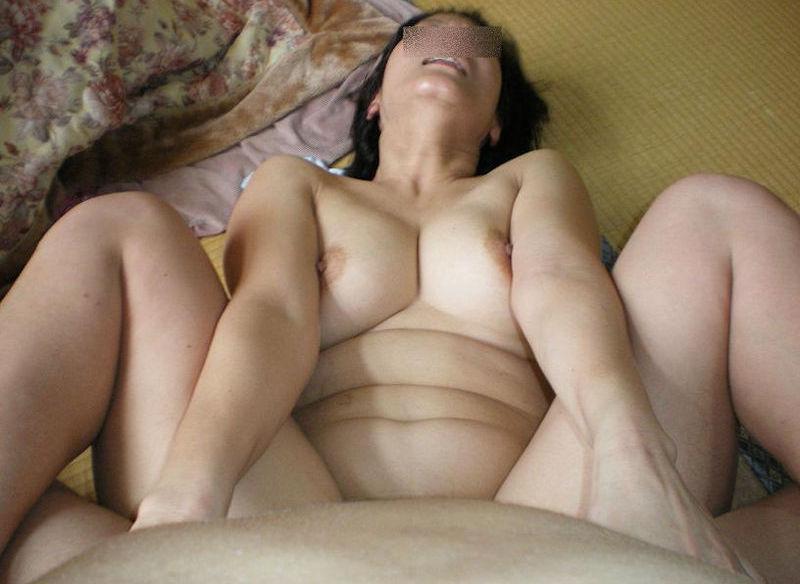 無修正おばさん熟女のパンツ丸出しエロ画像