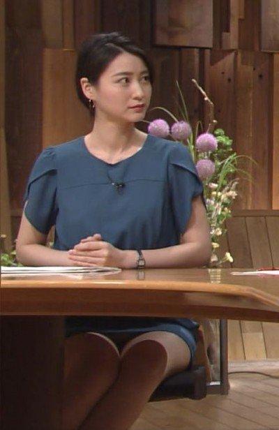 小川彩佳のおっぱいエロ画像