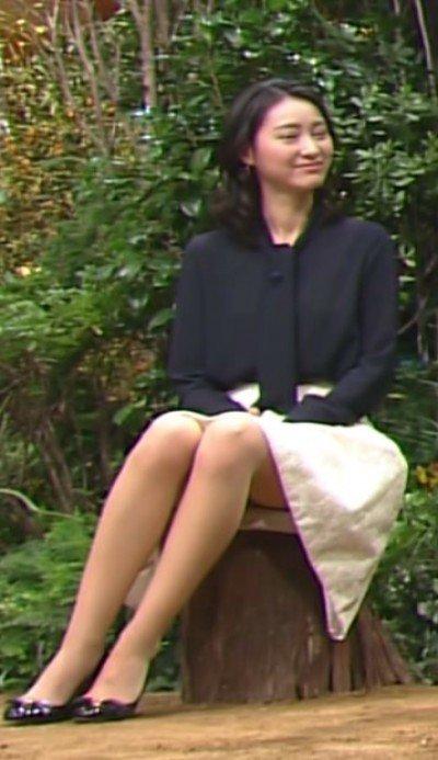 小川彩佳の乳首ポロリ画像