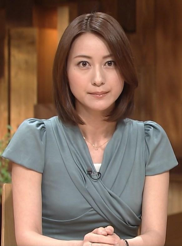 小川彩佳の全裸ヌードで露出画像