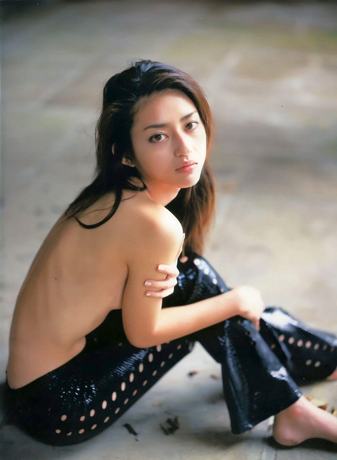 小沢真珠のエロ画像