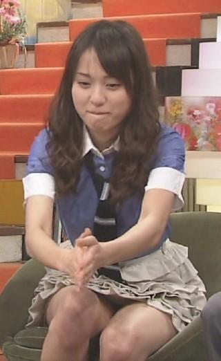 戸田恵梨香有名人パンチラ