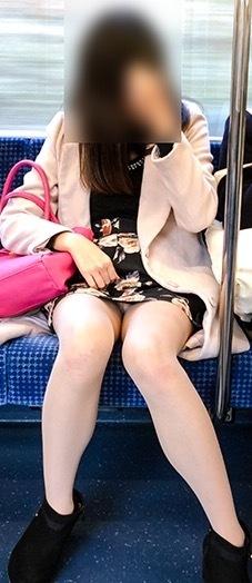 お宝な電車パンチラ放送事故